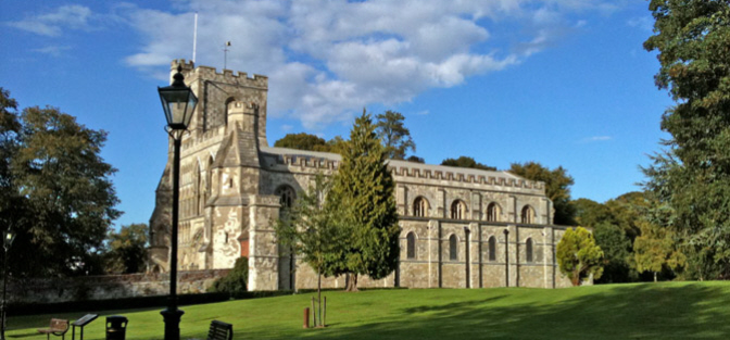 www.lundconlonremovals.co.uk moving to dunstable church image